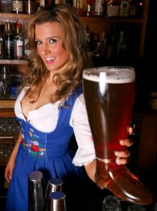 Oktoberfest_maid