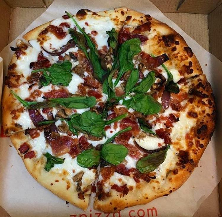 Zpizza's signature bacon, spinach and mushroom pizza. (Photo: zpizza Facebook)