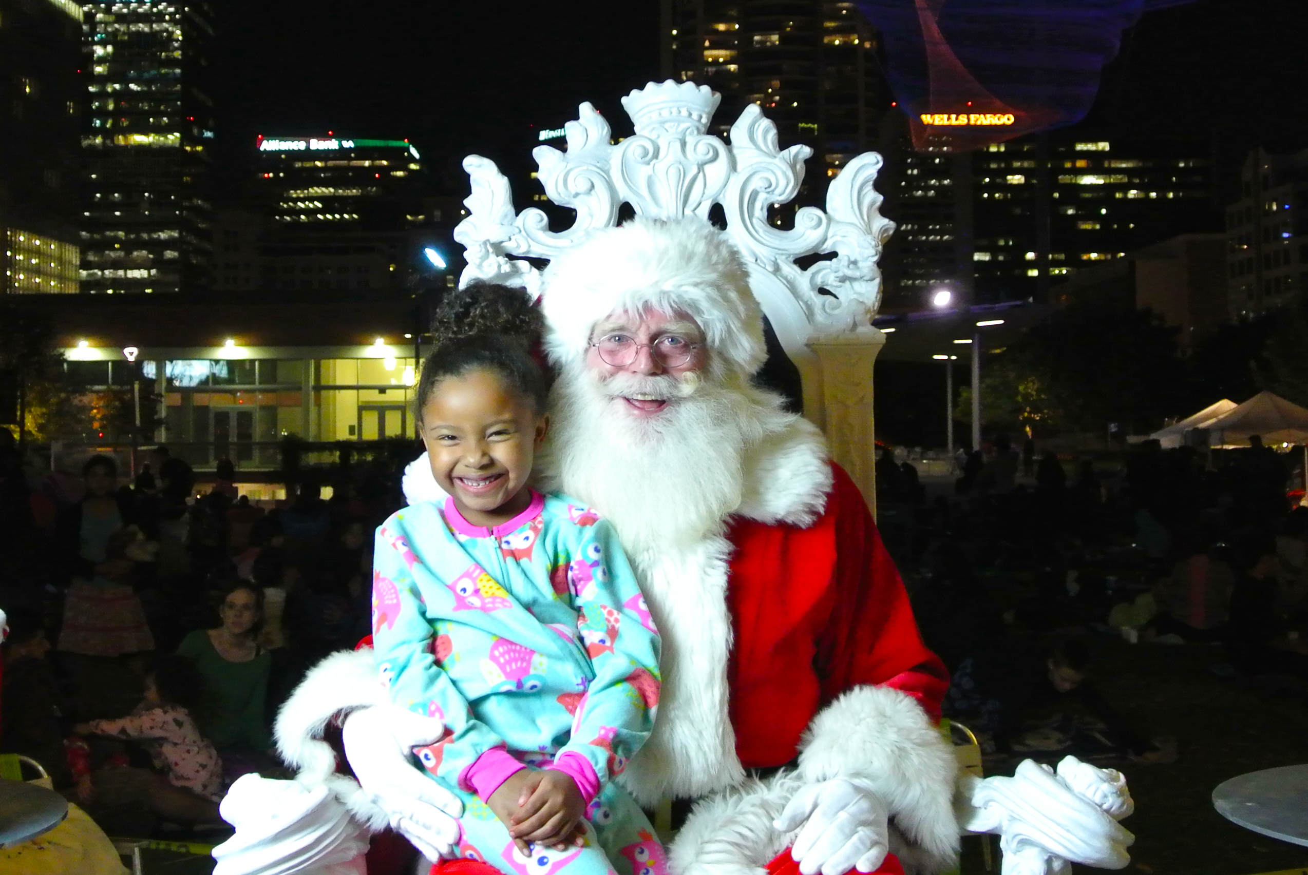 Santa at Pjs in the Park