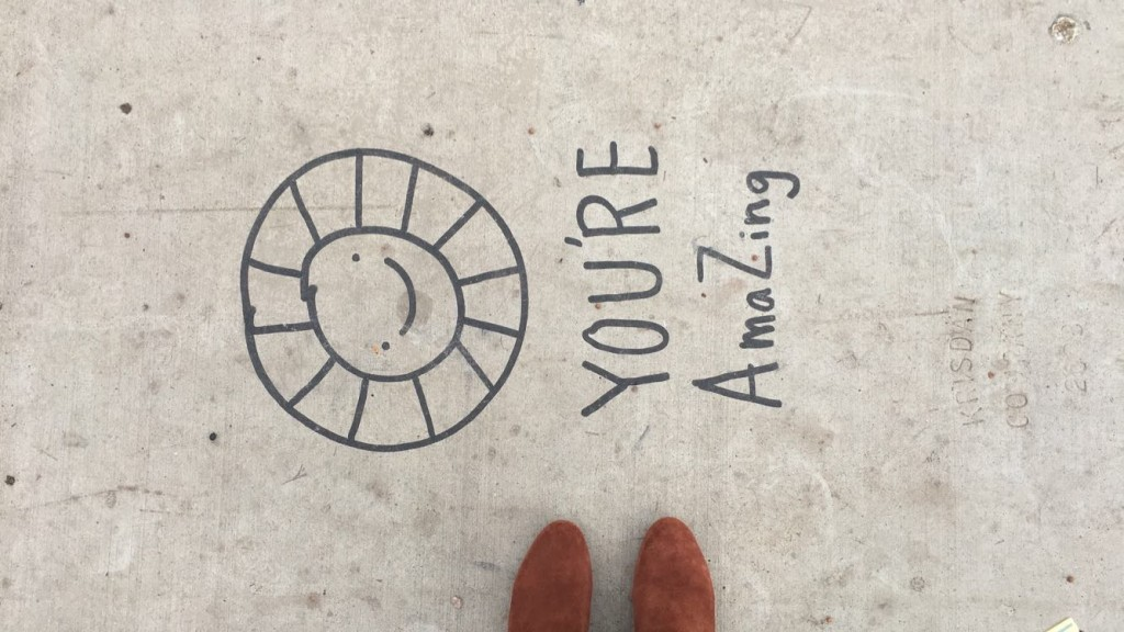 An anonymous sidewalk artist has officially captured the hearts of downtown Phoenix's Instagramming community. (Photo: Leah Goldberg)