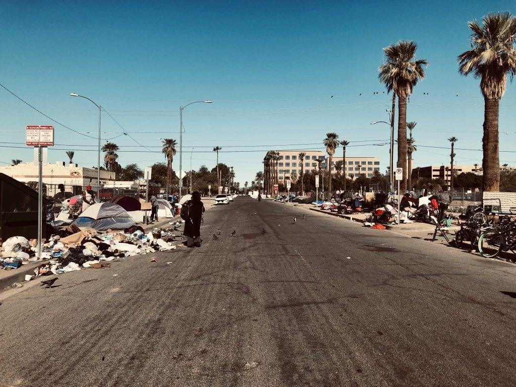 Street feeding trash
