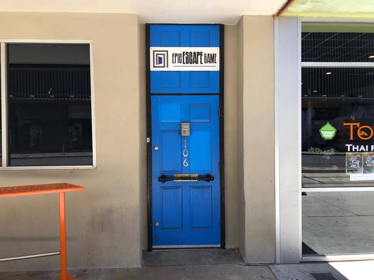 Blue door leading to the Epic Escape Game Phoenix